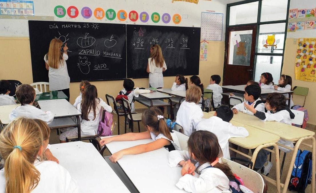 Gobierno fija nuevas pautas para discutir salarios con los docentes