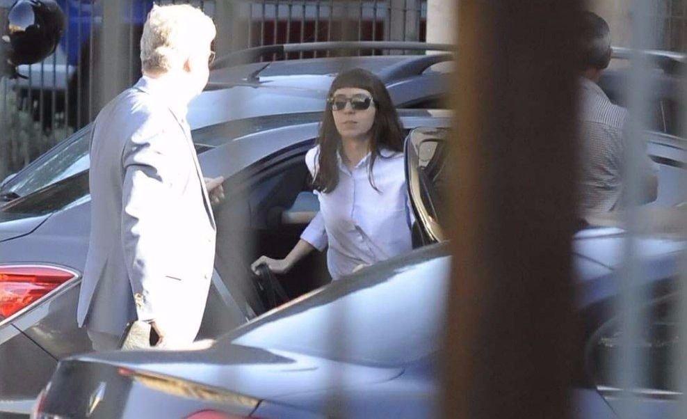 Florencia Kirchner presentó un escrito en Tribunales y se marchó rápidamente