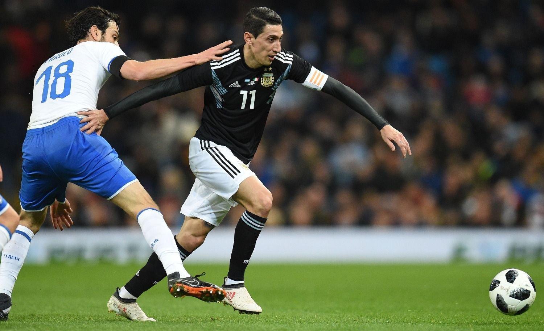 Argentina venció a Italia con goles de Banega y Lanzini