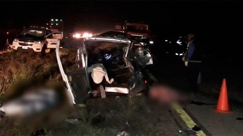 Seis personas murieron al chocar una camioneta y un colectivo