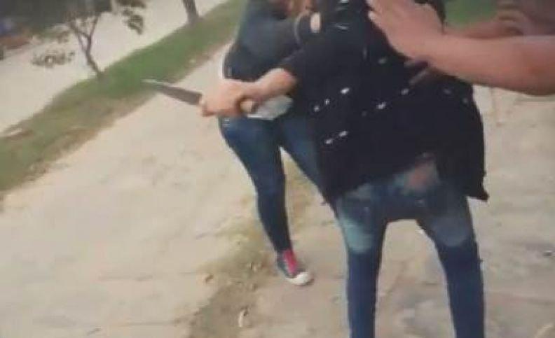 """Caminaba por una calle de Guaymallén, le sacaron una """"punta"""" y le robaron"""