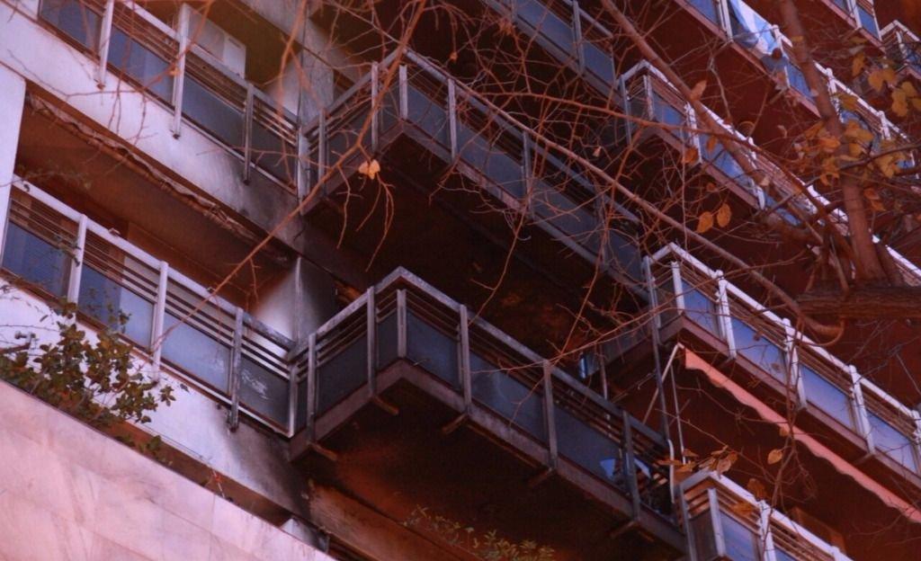 Plena Peatonal: se incendió un departamento de un edificio