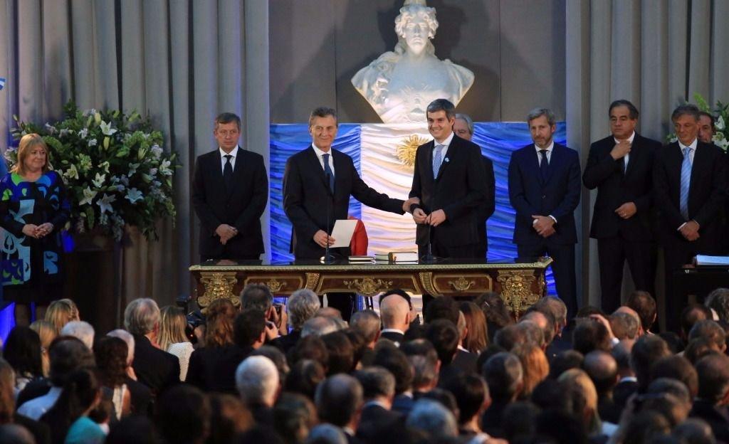 Macri tomó juramento a los nuevos ministros de gabinete