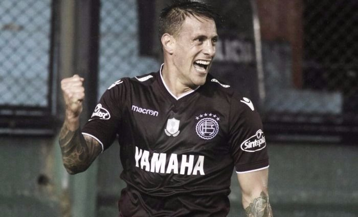 Con el tiro del final Lanús le ganó a Independiente