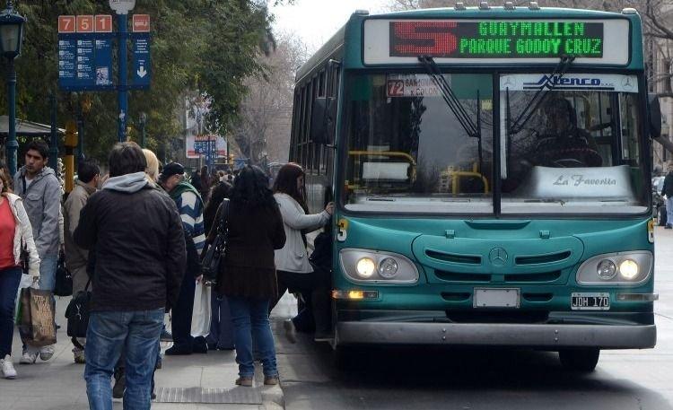 Viajar en colectivo el domingo será gratis