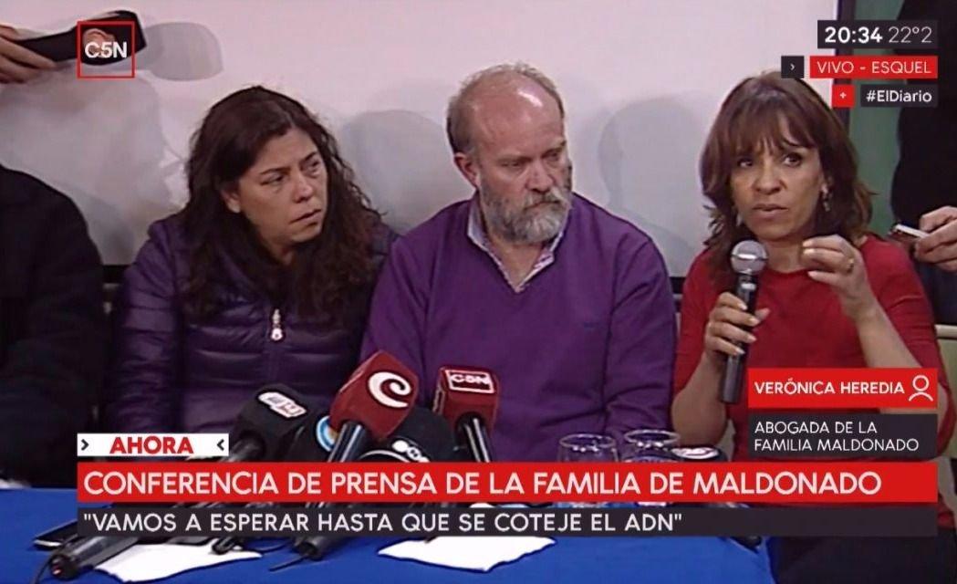 """La familia de Santiago cree que el cuerpo fue """"plantado"""""""