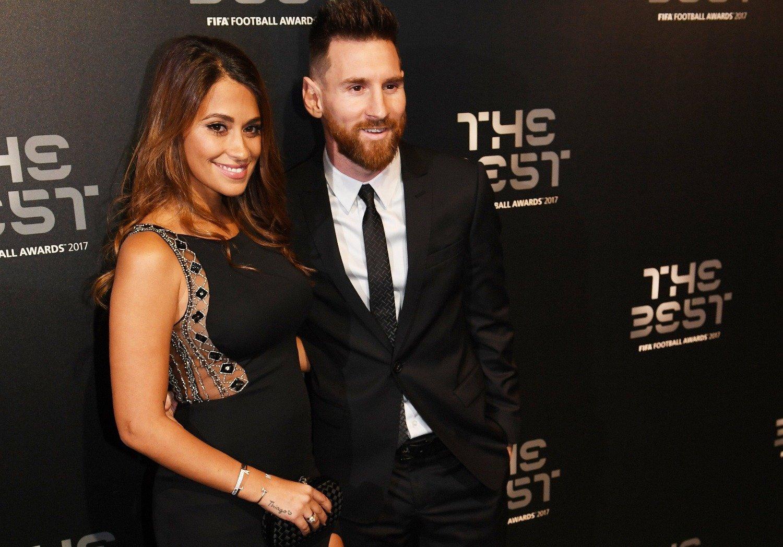 La pancita de embarazada de Antonela Roccuzzo junto a Messi en Londres