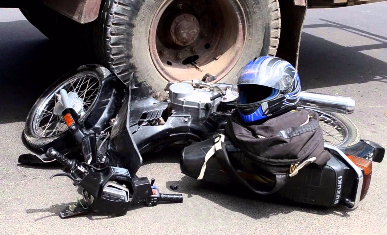 Mendoza: iba en moto, lo atropellaron y quedó delicadísimo de salud
