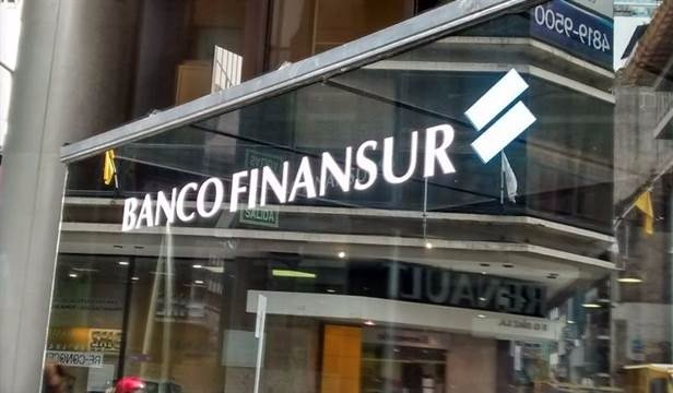 Suspendieron por un mes al Banco Finansur de Cristóbal López