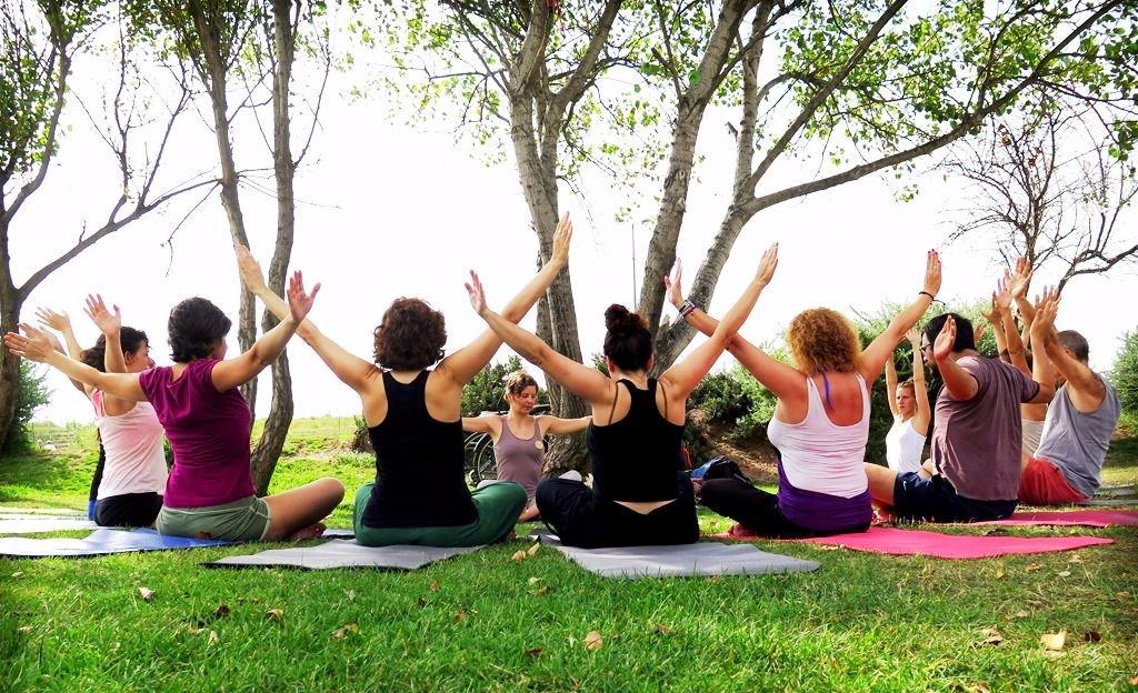 Desde clase de yoga a constelaciones familiares gratuitas