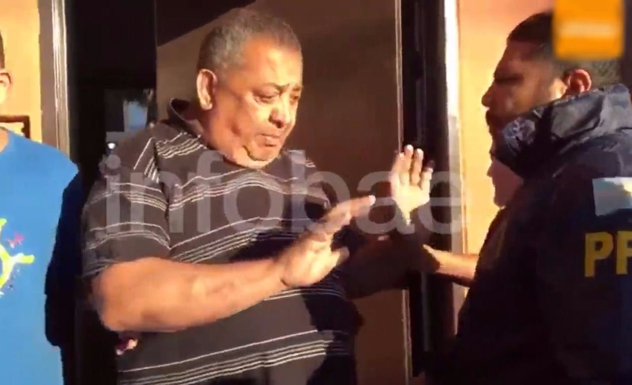La Policía Federal irrumpió en la casa de Luis D'Elía y se lo llevaron