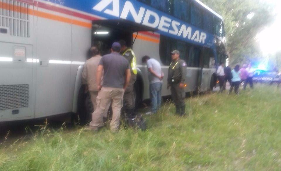 Mendoza: trasladaba cocaína en un micro y lo pescó la Gendarmería