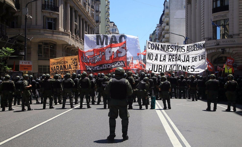 Abuelos, errores, palos, chicanas, avivadas y… Argentina