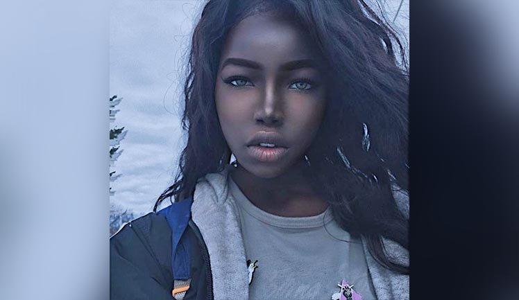 social chicas piel oscura cerca de Badalona