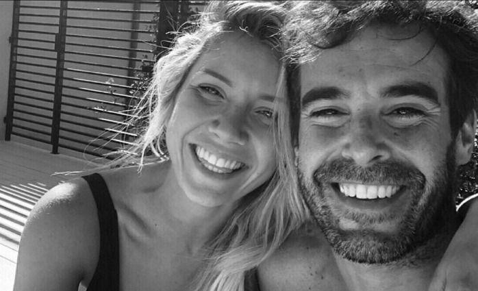 El romántico beso en el mar entre Laurita Fernández y Nicolás Cabré