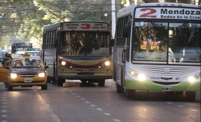 Mendoza | 17 líneas de colectivos cambian sus recorridos por obras viales