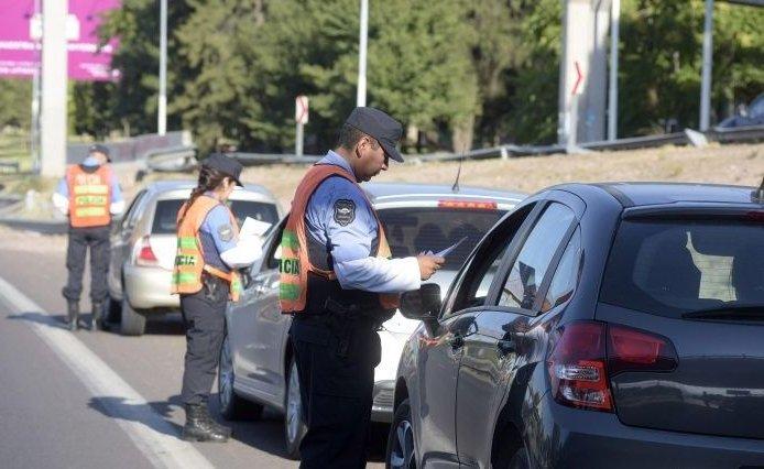 Mendoza | Chico de 14 años manejaba borracho una camioneta junto a su padre también ebrio