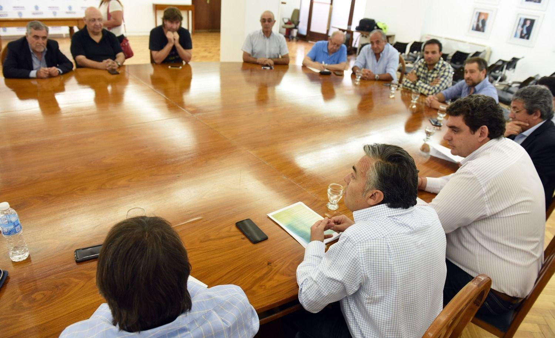Cornejo repasó el proyecto del Fondo Anticíclico Vitivinícola con referentes del sector