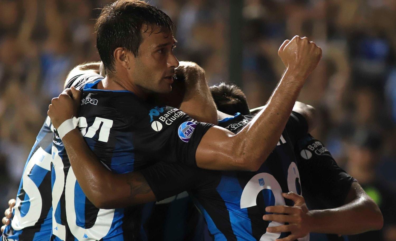 Racing derrotó a Godoy Cruz y volvió a liderar la Superliga