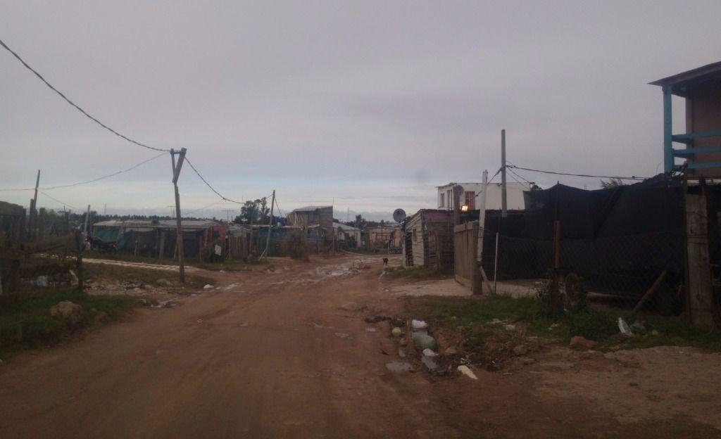 Asentamientos aledaños a La Favorita: hay tensión entre vecinos y el Gobierno