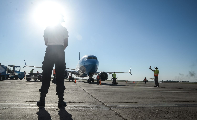 Oficializaron la derogación de la norma que permitía contratar pilotos extranjeros