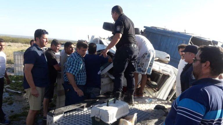 camión-uva-vuelco-tupungato-heridos-mujer-ruta 40-mendoza-policiales-hoy