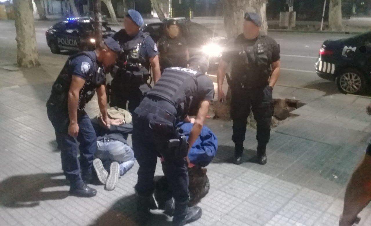 robo-policial-hoy-peluqueria-asalto