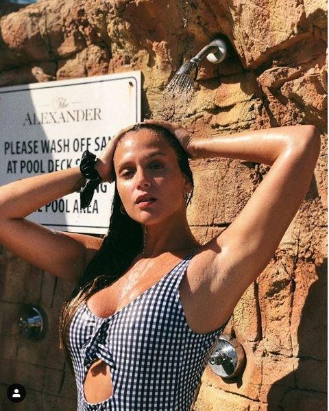 barbie-vélez-fotos-instagram-lolita-vacaciones-2019-bikini-