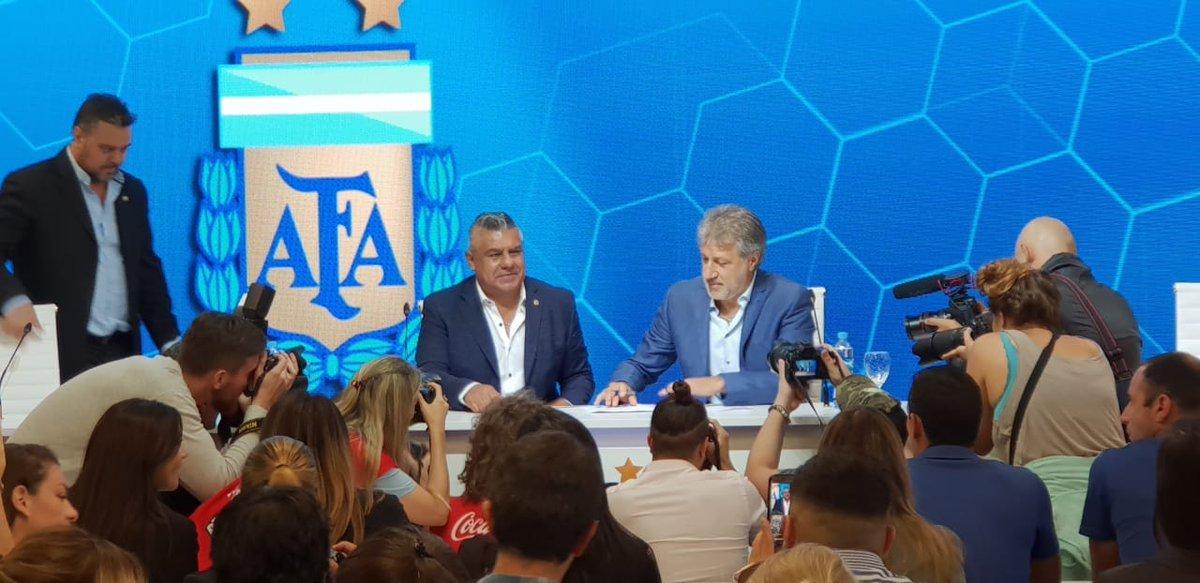 afa-fútbol femenino-claudio tapia-sergio marchi-estefanía banini-redes sociales-profesionalismo