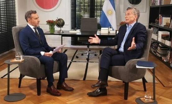 """Macri admitió delitos de su padre por """"extorsión kirchnerista"""""""