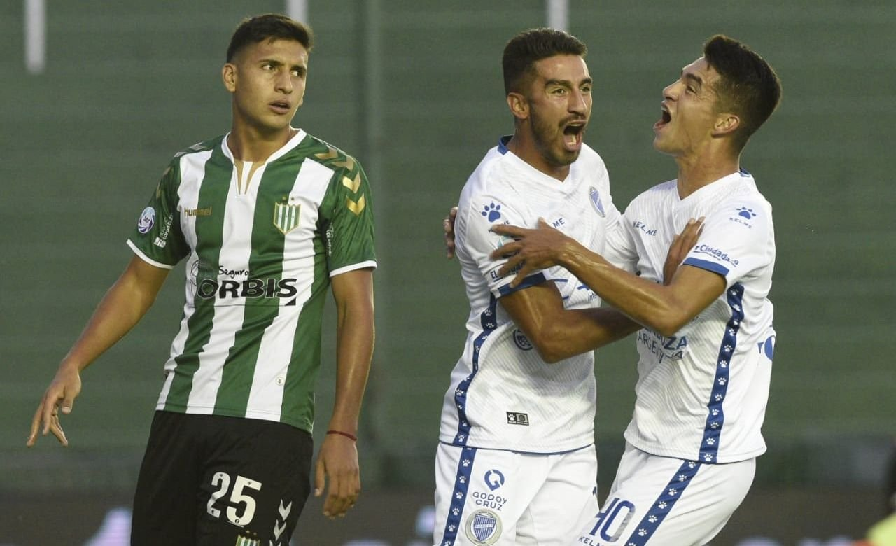 Godoy Cruz empata con Banfield como visitante