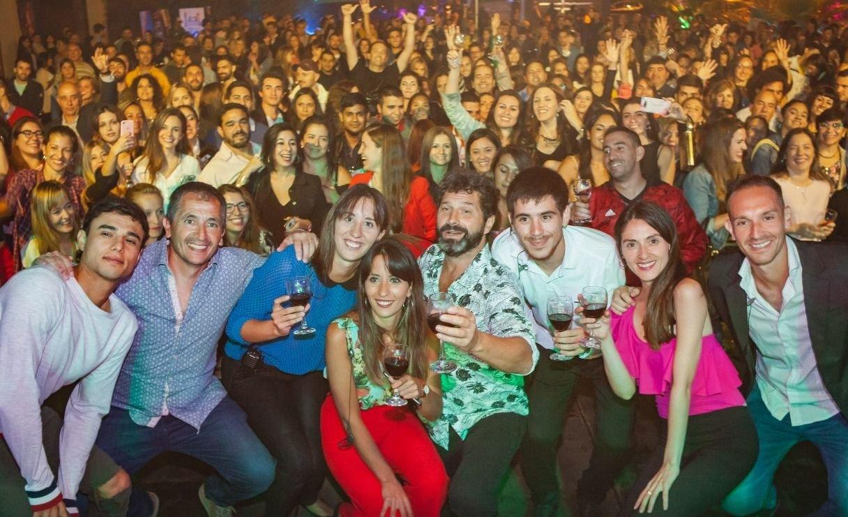 Iván Noble interpretó un acústico ante más de 1500 personas en Rivadavia