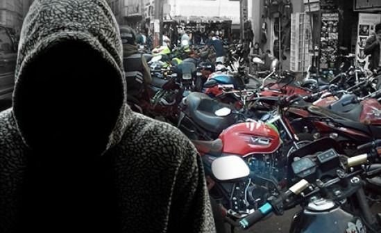INSEGURIDAD EN MENDOZA | Chorros armados le robaron su moto Yamaha a un joven