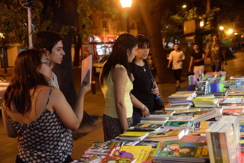 Festejos por el Día del Libro en la Peatonal