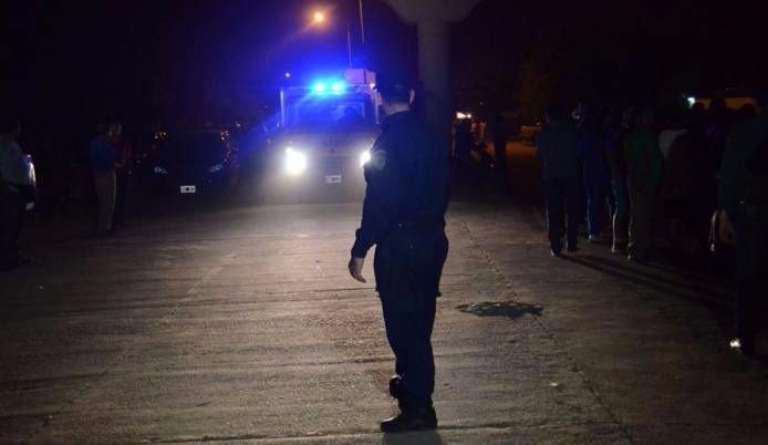 Delincuentes asaltaron una vinería, una estación de servicio y a un hombre en moto