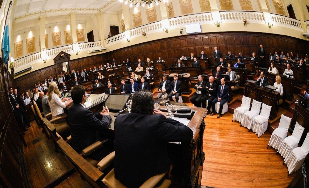MENDOZA | El Senado provincial renovó 19 bancas