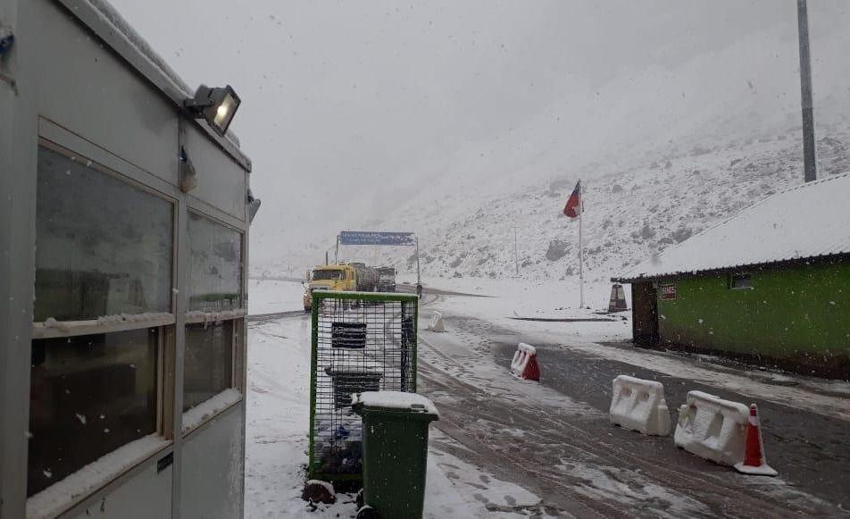Video | A pesar del temporal de nieve, está abierto el Paso Cristo Redentor