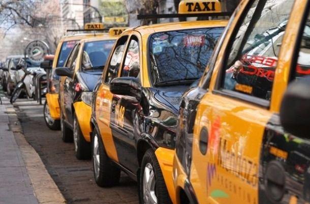 Identificaron al taxista que fue denunciado por agredir a un chofer de Uber