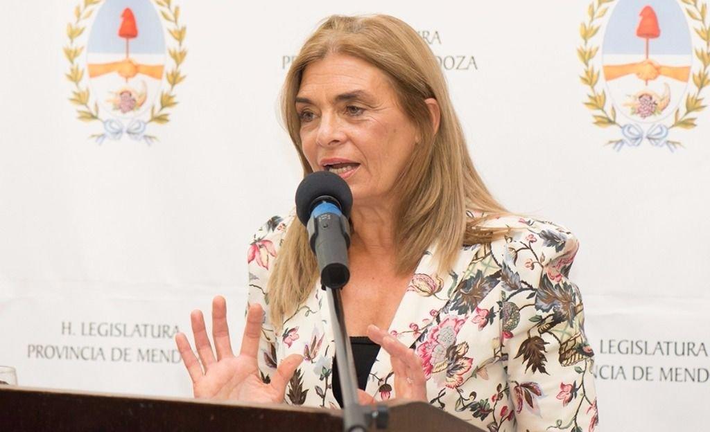 """Montero: """"Estoy convencida de que una mujer debe integrar la Corte"""""""