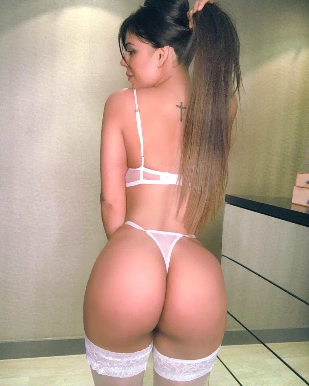 Suzy Cortez Se Revolcó Desnuda En La Cama Con Una Pose Muy Provocadora