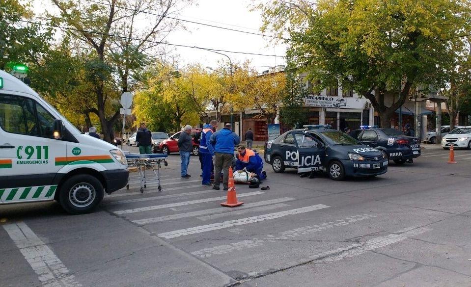 Godoy Cruz: la tiró de la moto y huyó en su auto