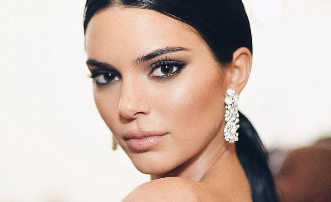 La piel de Kendall Jenner no tiene edad y enamora en Instagram