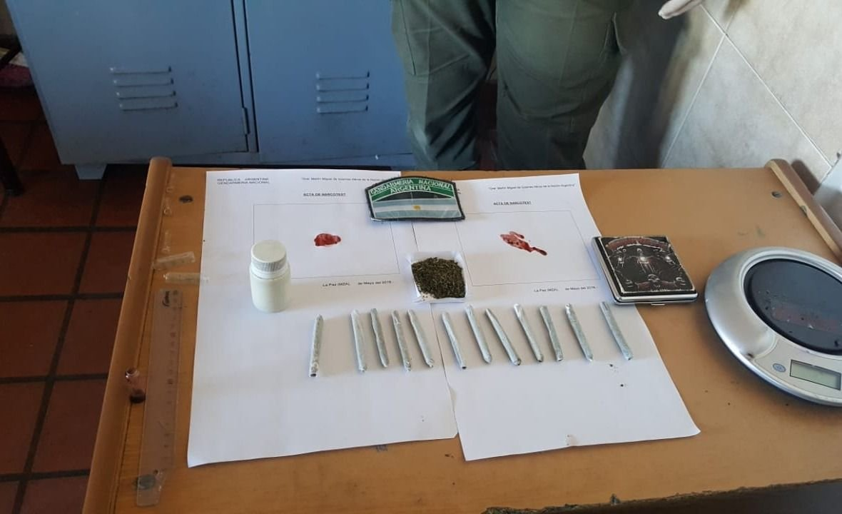 Lo encontraron con marihuana en un micro de Chevallier