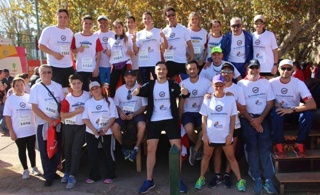 """El 'Team Cooperativa"""" dijo presente en la Maratón Fundavita"""