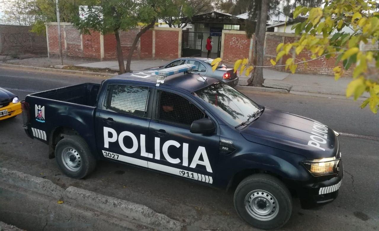 Godoy Cruz: vecinos discutieron y una joven recibió un disparo