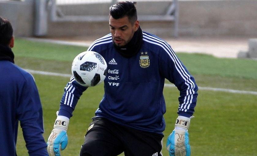 Sergio Romero salió a bancar a Lionel Scaloni y lo comparó con Alejandro Sabella