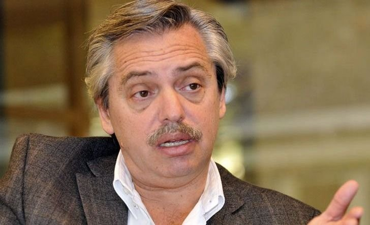 Alberto Fernández debe medio millón de pesos en un country bonaerense