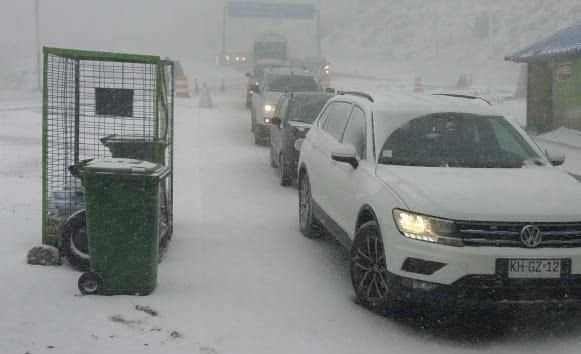 Cerró el paso a Chile por intensas nevadas
