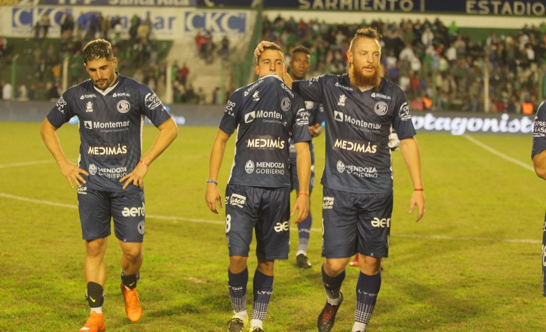 Independiente Rivadavia cayó en Junín y se despidió de la lucha por el ascenso