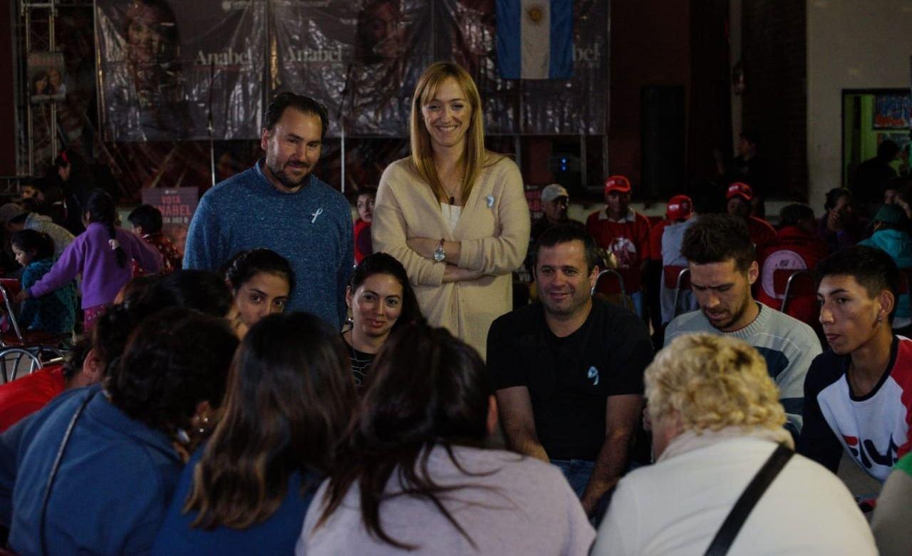 Anabel Fernández Sagasti se reunió con el sector rural en Bermejo